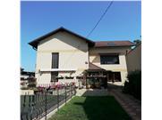 Vanzare vila de lux 6 camere in Ploesti, zona Gageni