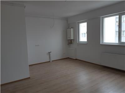 Vanzare apartament spatios 3 camere bloc nou