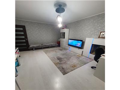 Vanzare apartament 3 camere, zona Vest