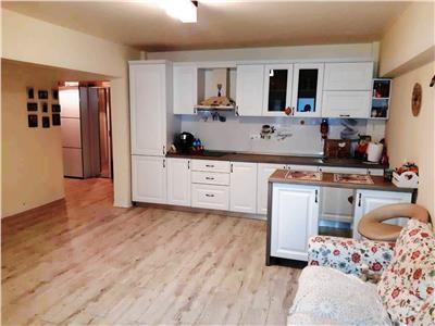 Vanzare apartament 3 camere in Ploiesti, zona Vest